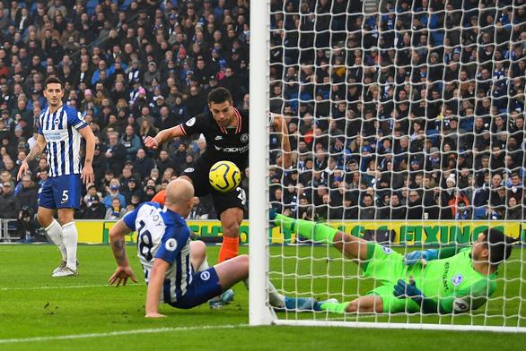 Chelsea ghi bàn trước nhưng đánh rơi chiến thắng trong ngày mở màn năm 2020 - Ảnh 1.