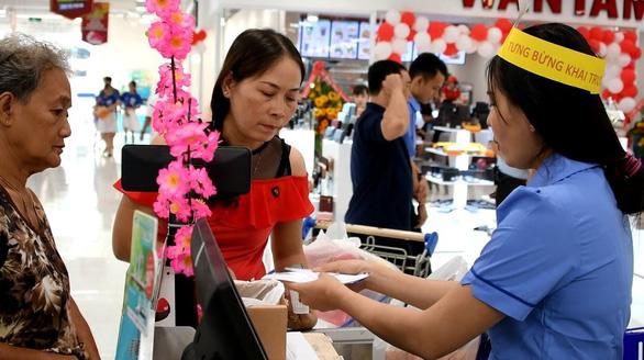 Saigon Co.op khai trương thêm 3 siêu thị phục vụ Tết Canh Tý - Ảnh 2.
