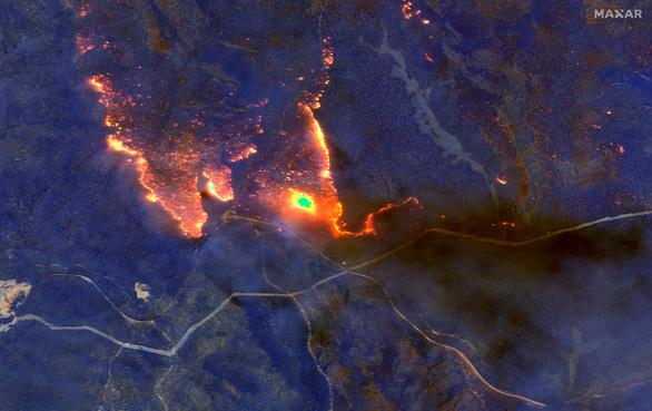 Úc hối 250.000 người di tản tránh cháy rừng - Ảnh 1.