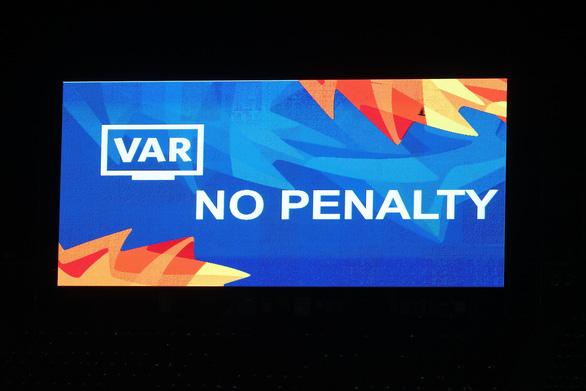 Goal Thái Lan: Việt Nam may mắn hòa UAE nhờ VAR - Ảnh 2.