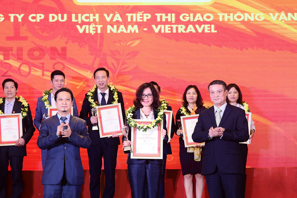 Vietravel liên tiếp dẫn đầu Top 10 công ty uy tín ngành du lịch - lữ hành 2017 - 2019 - Ảnh 1.