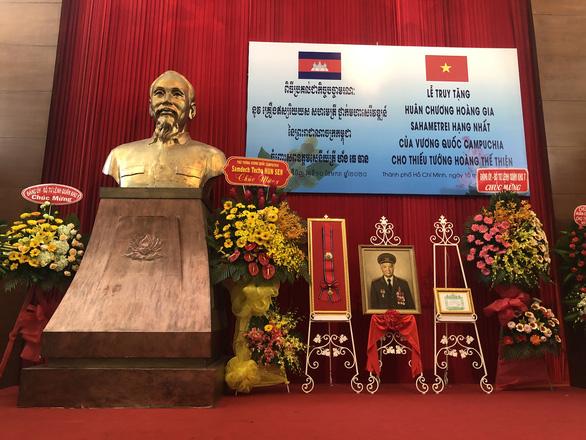 Campuchia truy tặng thiếu tướng Hoàng Thế Thiện Huân chương hoàng gia Sahametrei - Ảnh 2.
