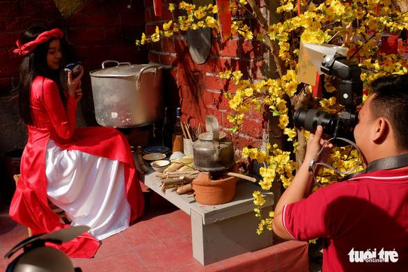 Sắc mai vàng rực tại Lễ hội Tết Việt xuân Canh Tý - Ảnh 5.