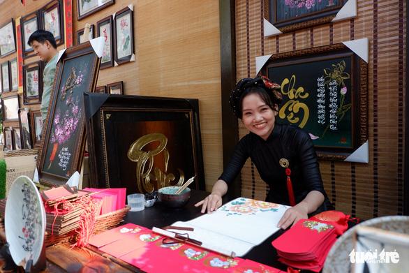 Sắc mai vàng rực tại Lễ hội Tết Việt xuân Canh Tý - Ảnh 4.