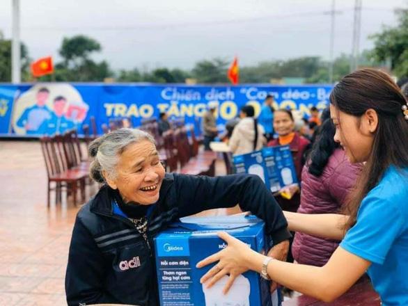 10.000 nồi cơm trao đi, ngàn nụ cười nhận lại từ Cơm dẻo - Bếp ấm - Ảnh 2.