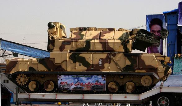 Tổng thống Ukraine không loại trừ máy bay rơi có thể do bị tên lửa bắn - Ảnh 3.