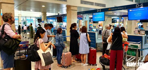 Vietnam Airlines tăng thêm 56 chuyến bay dịp Tết Nguyên đán - Ảnh 1.