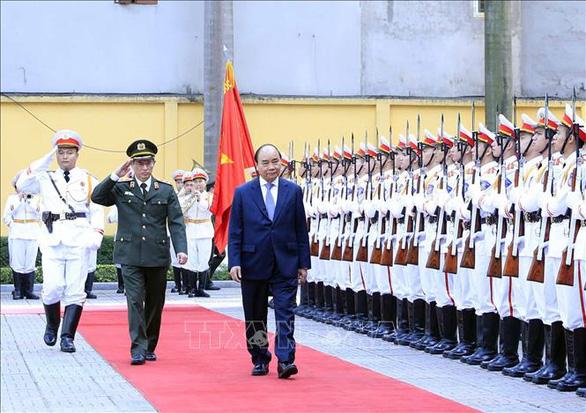 Thủ tướng kiểm tra công tác sẵn sàng chiến đấu và chúc tết tại Bộ tư lệnh Cảnh vệ - Ảnh 2.