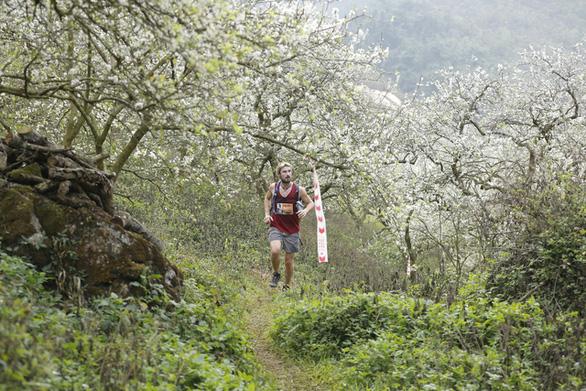Trần Duy Quang vô địch cự ly 70km marathon đường mòn - Ảnh 3.