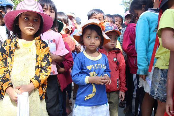 600 suất quà xuân đến với học trò nghèo Tây Nguyên - Ảnh 5.