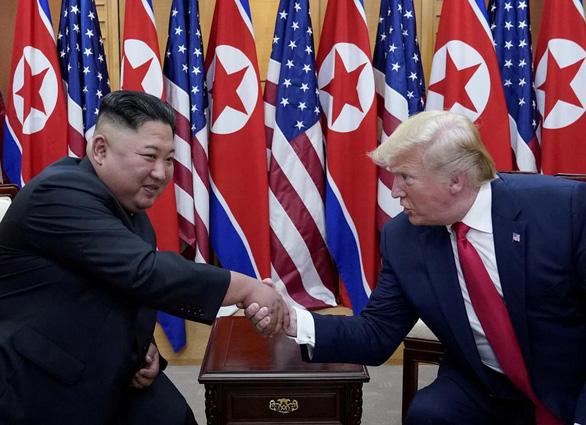 Triều Tiên phản ứng vụ ông Trump gửi thiệp sinh nhật cho ông Kim Jong Un - Ảnh 1.