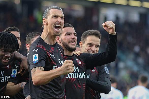 Ibrahimovic 'khai hỏa', AC Milan tìm lại niềm vui chiến thắng - Ảnh 1.