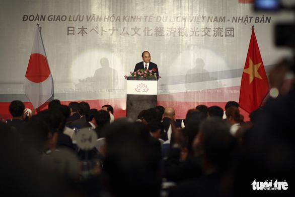 Tổng thư ký Đảng Dân chủ tự do Nhật Bản trồng sen cổ, thắt chặt quan hệ Việt - Nhật - Ảnh 2.