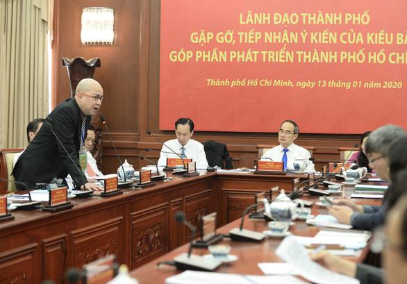 Việt kiều hiến kế muốn mua ôtô phải chứng minh có chỗ đỗ xe - Ảnh 2.