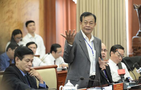 Việt kiều hiến kế muốn mua ôtô phải chứng minh có chỗ đỗ xe - Ảnh 4.