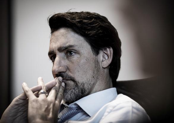 Vì sao Thủ tướng Canada Trudeau để râu rậm rạp? - Ảnh 1.