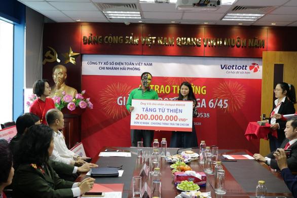 Tài xế Grab trúng Jackpot 57 tỷ dành 1,5 tỷ làm từ thiện - Ảnh 3.