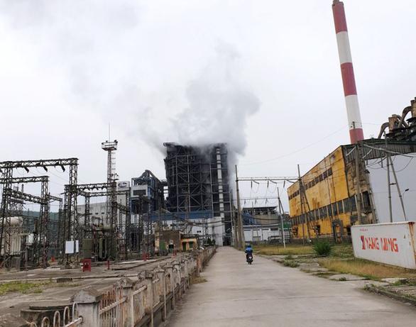 Nổ lớn ở Nhiệt điện Uông Bí: Có thể do trộn than nội địa với nhập khẩu - Ảnh 1.