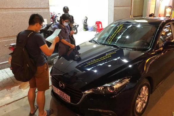Giá cho thuê ôtô tự lái dịp tết tăng gấp đôi - Ảnh 1.