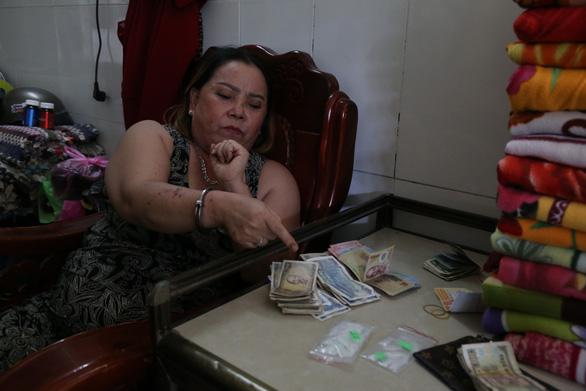 Chủ nhà nghỉ và con gái, con dâu cùng bị khởi tố vì buôn ma túy đá - Ảnh 1.