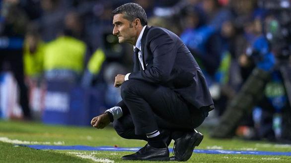 Barca sa thải HLV Valverde, bổ nhiệm Quique Setien thay thế - Ảnh 2.