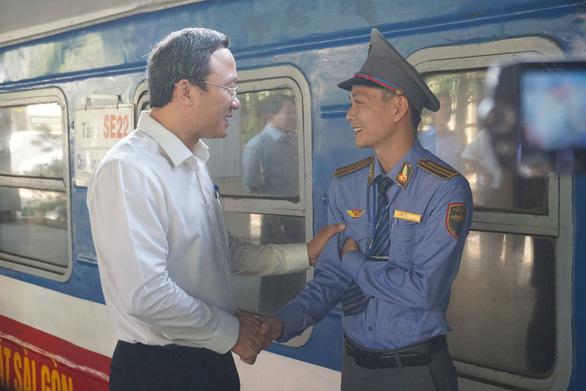 Trạm thu phí phải xả trạm giải cứu kẹt xe cho TP.HCM dịp Tết Nguyên đán - Ảnh 2.