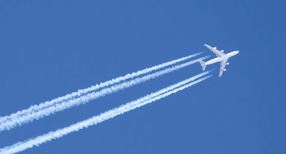 Lễ tết, nhiều người không đi máy bay để bảo vệ môi trường - Ảnh 1.