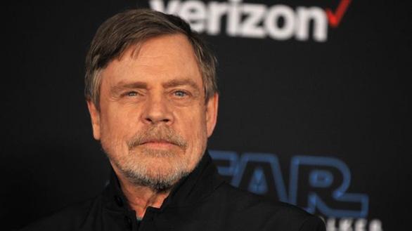 Luke Skywalker xóa tài khoản Facebook vì chán đọc quảng cáo chính trị - Ảnh 1.