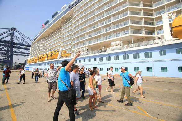 Đầu năm, du lịch Việt Nam được mùa khách quốc tế biển - Ảnh 1.