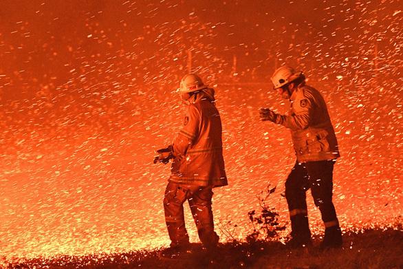 Biến đổi khí hậu làm tăng nguy cơ cháy rừng trên toàn cầu - Ảnh 1.