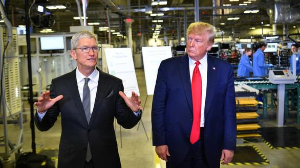 Ông Trump chỉ trích Apple chỉ biết hưởng, không chịu giúp mở khóa iPhone - Ảnh 1.
