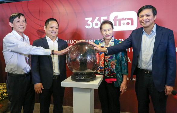 Chủ tịch Quốc hội bấm nút ra mắt chương trình phát thanh 365FM - Ảnh 1.