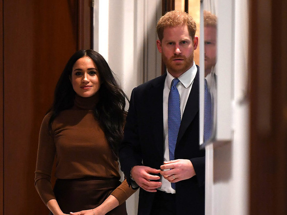Quyết định ra riêng, vợ chồng hoàng tử Harry có thể kiếm tỉ đô - Ảnh 2.