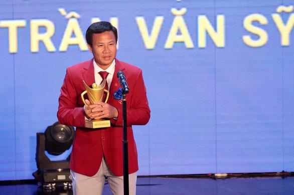 Vượt qua cầu thủ Đoàn Văn Hậu, kình ngư Huy Hoàng giành Cúp Chiến thắng 2019 - Ảnh 4.