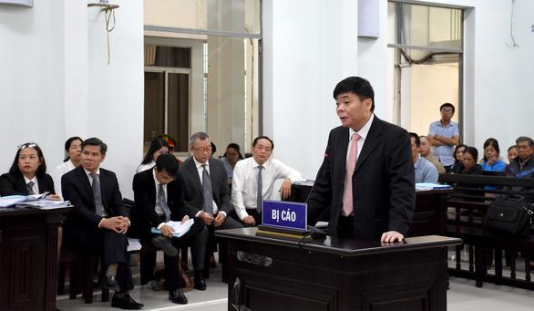 Lại hoãn phiên tòa phúc thẩm xử vợ chồng luật sư Trần Vũ Hải - Ảnh 1.