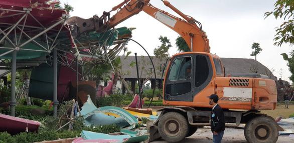 Vì sao công viên nước lớn nhất Hà Nội xây hoàng tráng xong bị đập bỏ? - Ảnh 2.