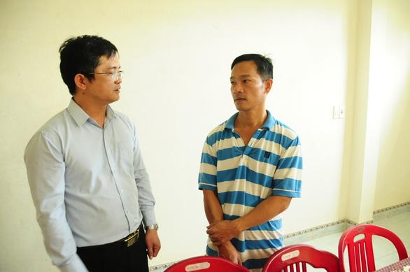 UBND huyện đảo Hoàng Sa thăm, chúc tết các nhân chứng - Ảnh 2.