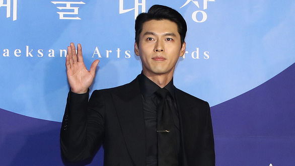 Joo Jin Mo và Hyun Bin phủ nhận bê bối lộ tin nhắn môi giới mại dâm - Ảnh 3.
