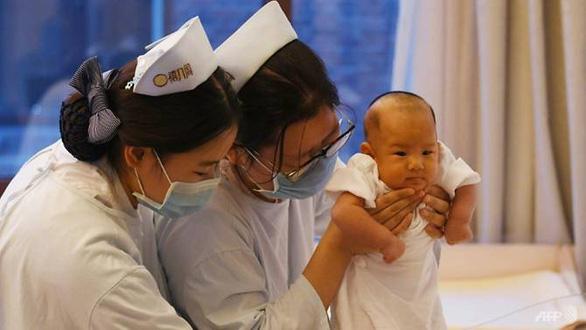 Trung Quốc sợ thiếu người vì dân đã không chịu đẻ lại còn ồ ạt ly dị - Ảnh 1.
