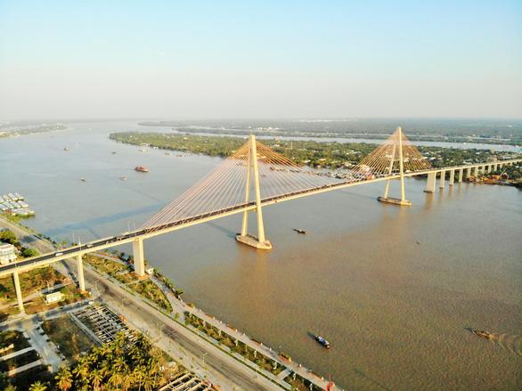 Bến Tre đề nghị làm bến phà tạm giảm tải cho cầu Rạch Miễu - Ảnh 1.