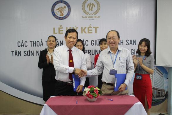 Việt Giao tổ chức nhập học ngành Du lịch, Khách sạn và Bếp - Ảnh 1.