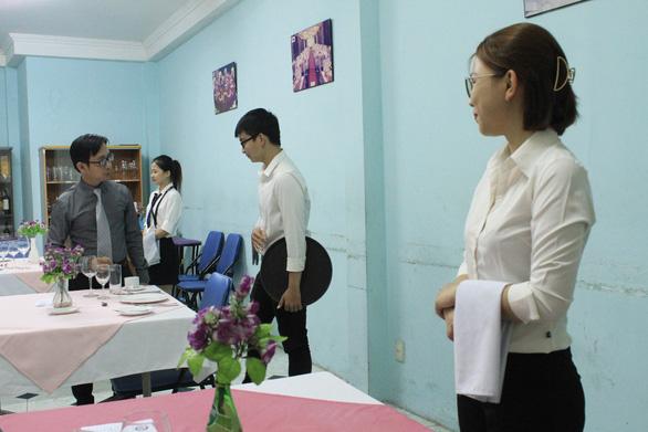 Quản trị khách sạn - Học  một ngành, Làm được nhiều nghề - Ảnh 2.