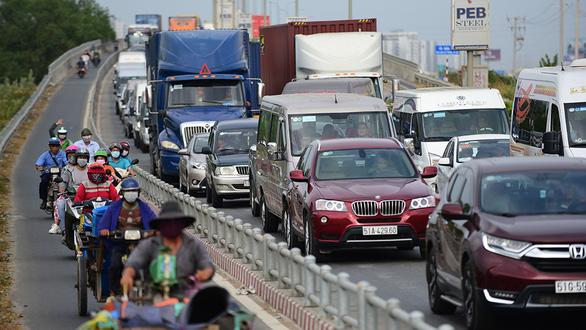 Chọn lộ trình né kẹt xe ở cao tốc TP.HCM - Long Thành - Dầu Giây - Ảnh 1.