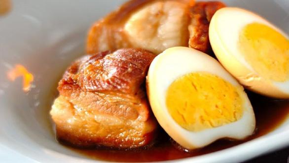 Thịt kho tàu má nấu là món tết vô địch của tôi - Ảnh 2.