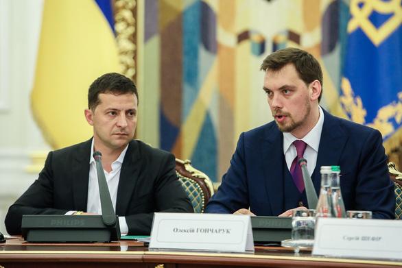 Thủ tướng Ukraine xin từ chức vì nghi nói tổng thống lơ mơ về kinh tế - Ảnh 1.