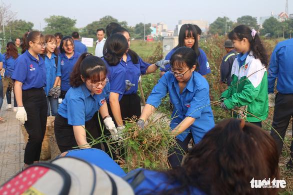 Nhiều quận huyện ra quân vì Thành phố sạch - Thành phố văn hoá' - Ảnh 7.
