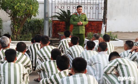 Bữa cơm tất niên ở trại giam - Ảnh 4.