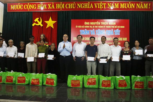 Bí thư Nguyễn Thiện Nhân trao quà tết ở Quảng Nam - Ảnh 3.
