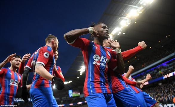Aguero lập cú đúp, M.C vẫn không thắng được Crystal Palace - Ảnh 3.
