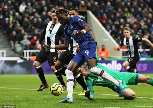Chelsea bị Newcastle hạ 'đo ván' ở phút 90+4 - Ảnh 1.